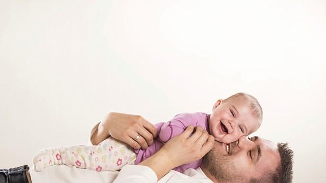 10 maneras con las que los papás pueden ayudar DE VERDAD con la lactación