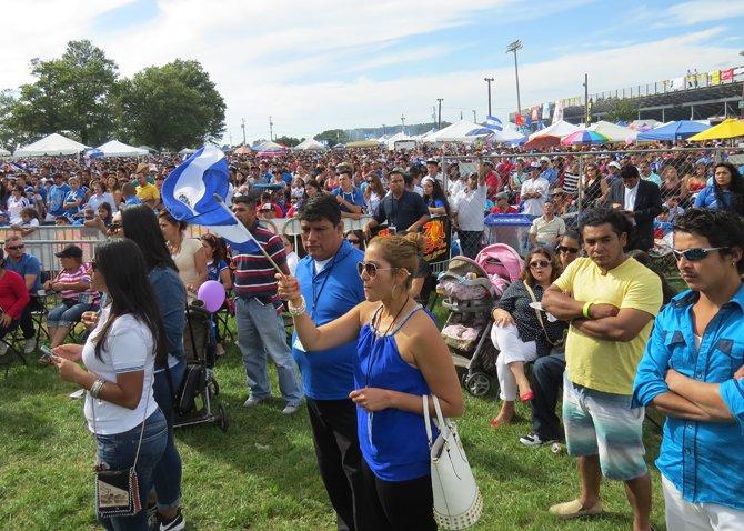 Miles acudieron al Fairgrounds en Maryland el domingo 14 de septiembre para celebrar el festival Salvadoreñísimo.