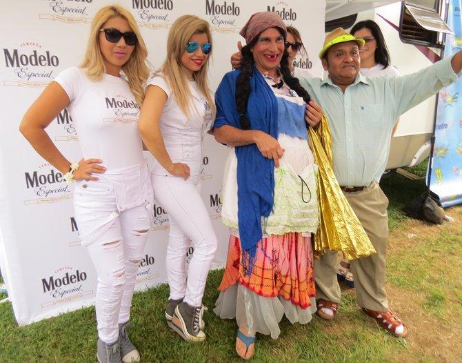 Las modelos no podían faltar en el festival Salvadoreñísimo el domingo 14 de septiembre.
