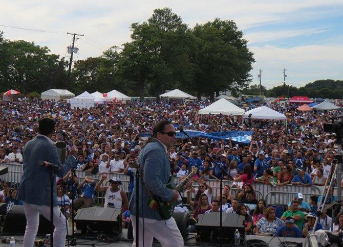 Diversos grupos animaron el festival Salvadoreñísimo el domingo 14 en Maryland.