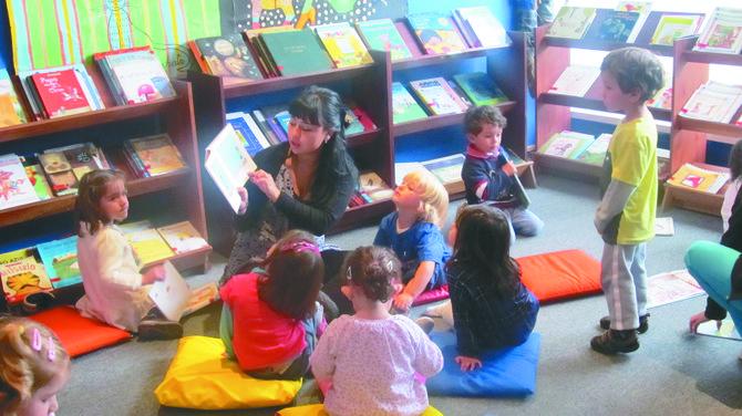 La Biblioteca Pública de Austin ofrece sesiones gratuitas de Cuentos en Español