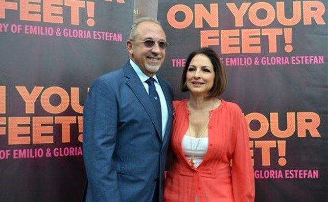 Gloria y Emilio Estefan dan la sorpresa en Miami