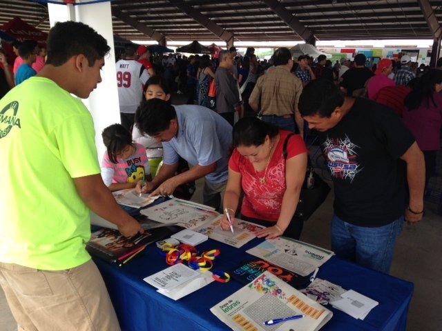 SemanaNews presente en el evento de Telemund Houston celebrando Fiestas Patrias 2014 en el Trader's Village el domingo 14 de septiembre.