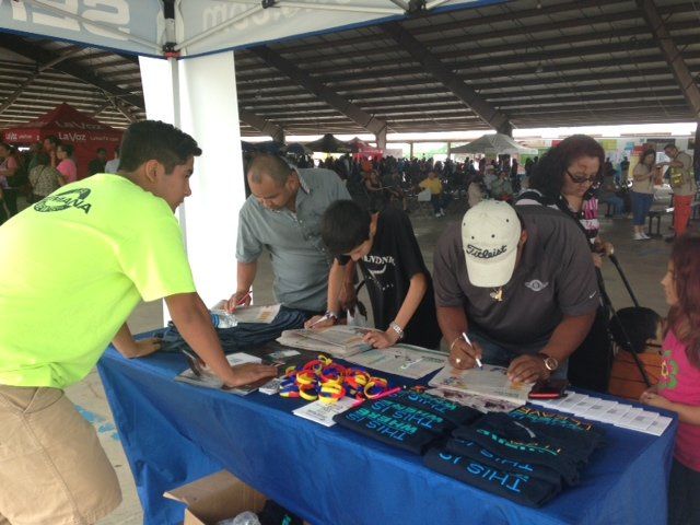 SemanaNews presente en el evento de Telemundo Houston celebrando las Fiestas Patrias 2014 en el Trader's Village el domingo 14 de septiembre.
