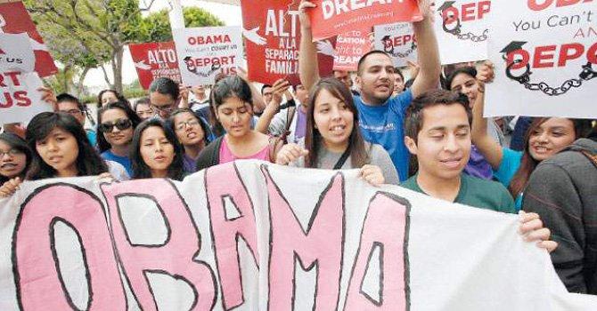 Todavía por el mes de junio los jóvenes soñaban despiertos que el presidente Obama firmaría una orden ejecutiva para evitar deportaciones.