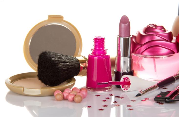 No necesitas gastar miles de dólares para colaborar. Con comprar un producto –del precio que sea—estarás aportándoles tu granito de arena a esas familias afectadas por el cáncer de seno.