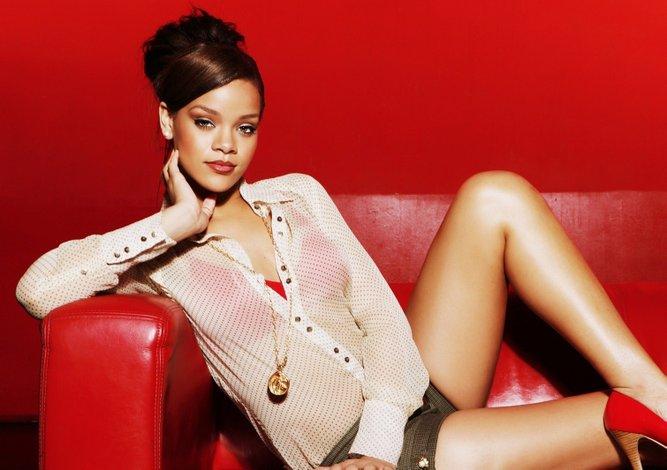 ¡Rihanna sería la nueva 'chica Bond'!