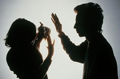 ESTUDIO: Dos tercios de mujeres hispanas son victimas de un abuso