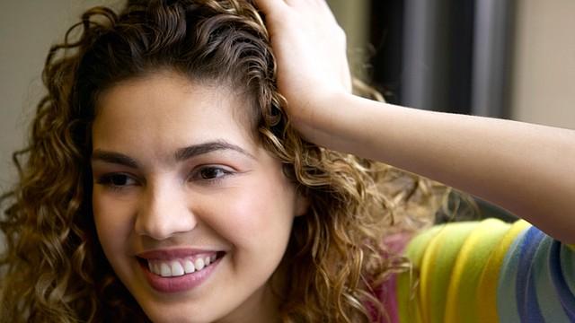 Ondas suaves naturales: Estas ondas son muy utilizadas por las celebridades y las hacen lucir siempre espectaculares, cabello muy saludable y lista para lo que venga.