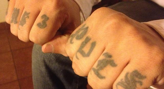 Borra los tatuajes de la mara es tu sentencia de muerte, dijo un pandillero en El Salvador.