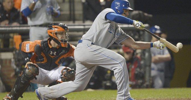 Kansas City pone a Baltimore contra la pared