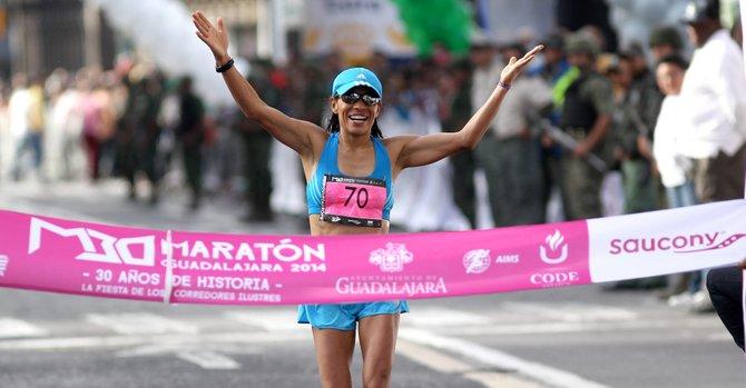 Mexicana gana el Maratón de Guadalajara