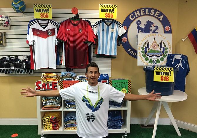 Campeón Soccer recibió la visita de Radio Internacional y lanzó ofertas de fin de semana
