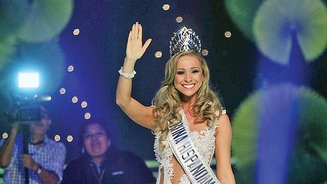 REINA. Romina Rocamonje, de Bolivia, se llevó el preciado título.