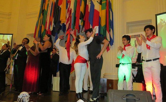 La infaltable marinera en la OEA durante un tributo a la música peruana.