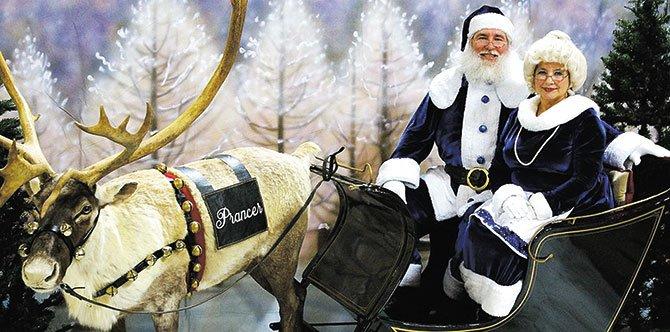 'Blue Santa' vuelve para ayudar a la comunidad