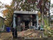 DESTRUCCIÓN. Se necesitó  70 bomberos para aplacar el fuego en la casa en 106 S. Emerson St. Arlington, Virginia, la madrugada del 4 de noviembre.