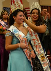 La joven Kimberly Cañas, natural de Fairfax, VA, representante del Cantón Analco, del municipio de Ereguayquín, en Usulután, es la nueva Reina del Carnaval de San Miguel 2014 representando a Arlington, Virginia.