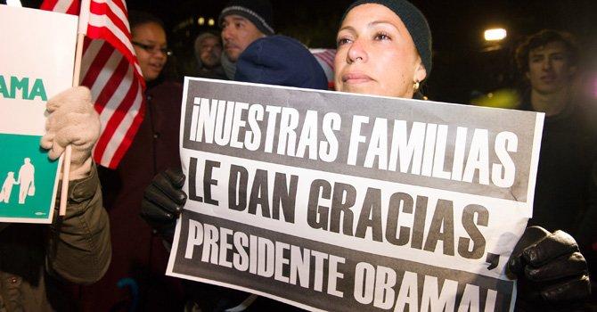 Reacciones mixtas frente a la Casa Blanca tras anuncio de Obama
