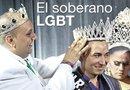 Darío Membreno recibe la corona que lo acredita como Mr. FLAS 2015 de manos de su antecesor, Héctor Cortéz.
