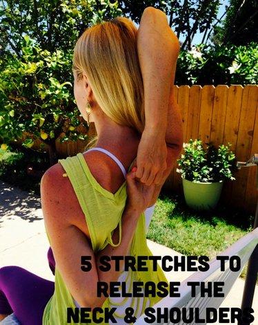 5 estiramientos para relajar el cuello y los hombros