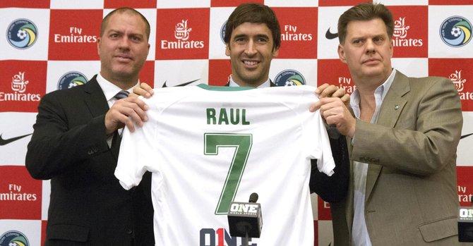 Cosmos, última aventura de la leyenda Raúl
