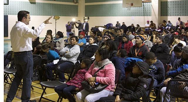 Inmigrantes participaron en el foro comunitario que CASA de Maryland realizó el miércoles 10 de diciembre en un centro comunitario de Silver Spring.