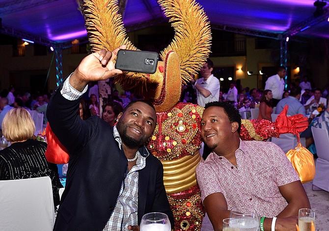 ¿En dónde se estaban tomando un selfie Big Papi y Pedro Martínez?