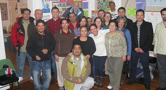 El programa Plaza Comunitaria de Dc clausuró su ciclo de enseñanza del español el 16 de diciembre. El nuevo ciclo inicia el 6 de enero de 2015. Cuenta con la colaboración del Consulado de México y el Instituto Nacional para la Educación de los Adultos de México.