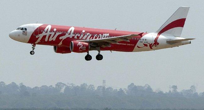 Se perdió contacto con un avión de Air Asia