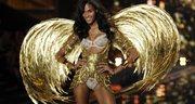 Una modelo durante el desfile de Victoria's Secret en Londres