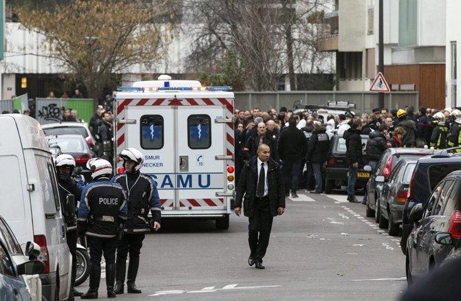 Tiroteo en París deja 12 muertos