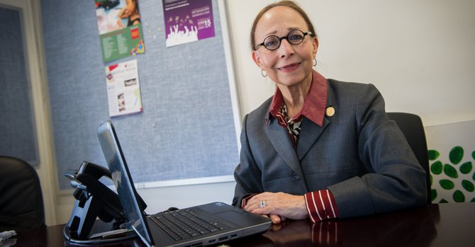 Se retira pionera del Latino Student Fund