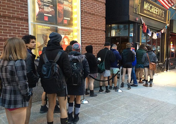 "Así estuvo el metro el domingo con ""No Pants Subway Ride"""
