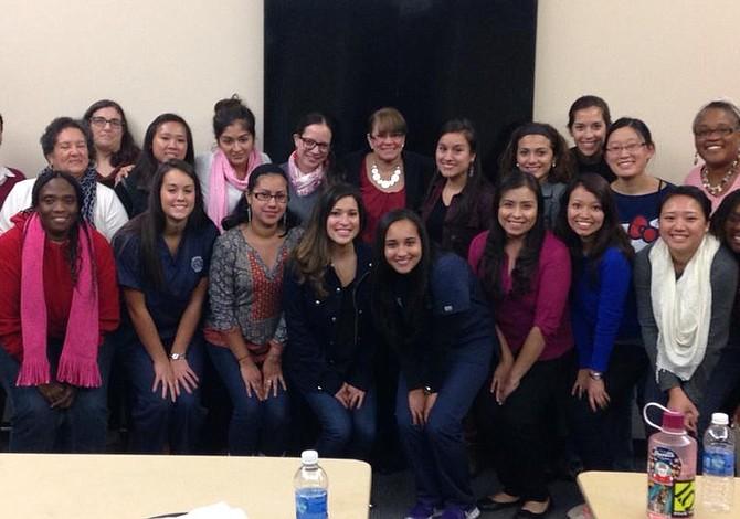 Asociación de Enfermeras Hispanas quiere atraer talento latino a las carreras de enfermería