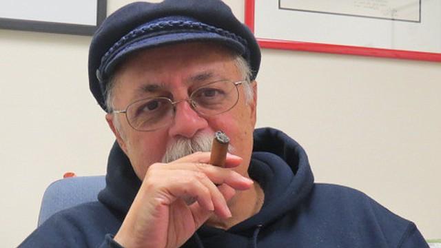 El abogado Pertierra en su oficina en Washington DC.