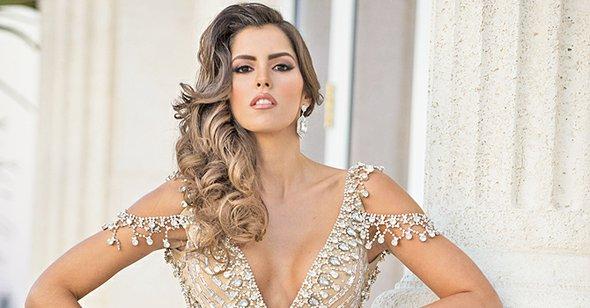 Paulina participó en una sesión fotográfica para mostrar su vestido de gala. La chica, quien es originaria de la ciudad de Barranquilla, tiene 22 años de edad.