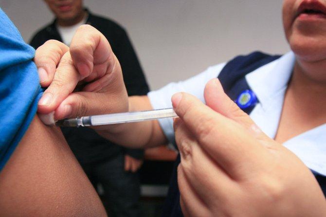 Vacúnese contra el flu: si no lo hace, puede afectar a otros