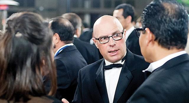 GALA. Molina durante el evento en Silicon Valley donde recibió uno de los premios HITEC para ejecutivos en tecnología.
