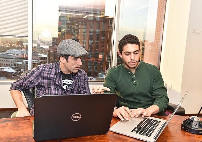 BOSTON: Una iniciativa busca que más jóvenes latinos triunfen en el mundo de la tecnología