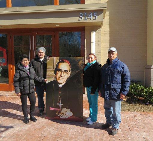 Felices con beatificación de Monseñor Romero