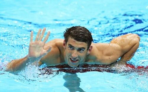 Michael Phelps Vuelve A Encontrarse Con Las Piscinas