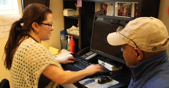 Obamacare sigue en busca de hispanos a horas de finalizar