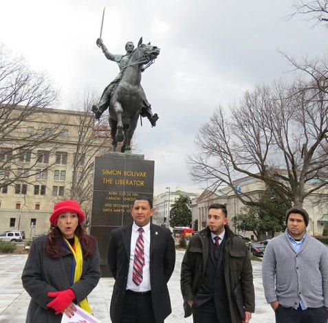 Universitarios venezolanos en el exterior reclaman for Venezolanos en el exterior