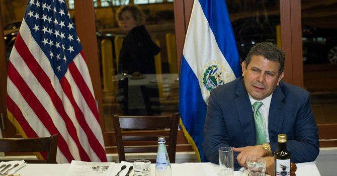 Alvarado quiere ser la voz de la diáspora salvadoreña
