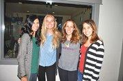 EQUIPO. (De Izq. a Der.) Crystal Gultz, Victoria Breda, Carolyn Haney, miembros de WeViva junto a la pasante de nutrición Cynthia Santos.