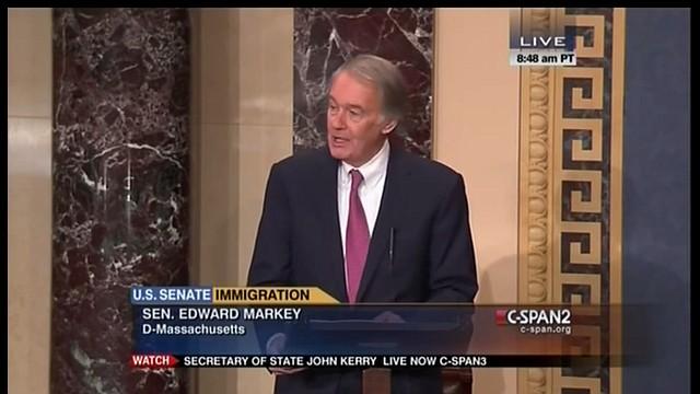 El Senador Ed Markey en su discurso en el Senado de los EE.UU. (Foto tomada de video de YouTube)
