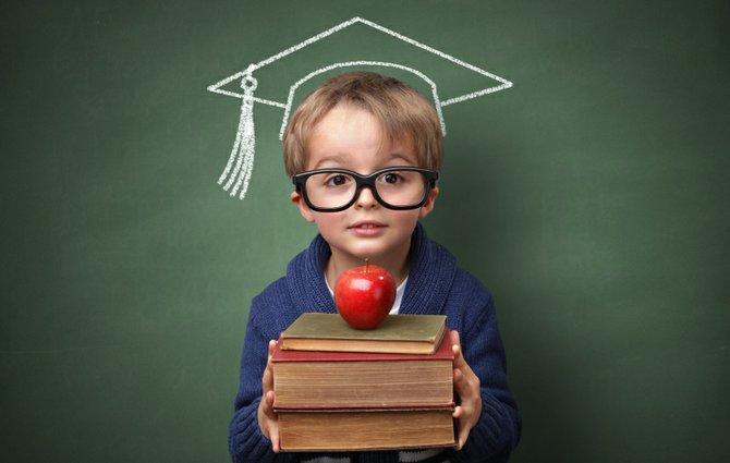 Una buena educación equivale a una sociedad mucho más preparada para afrontar un mundo cada vez más complicado. Una sociedad educada también significa una sociedad mas difícil de manipular.