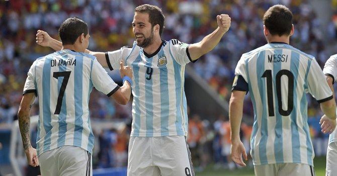 Argentina y El Salvador reviven la historia