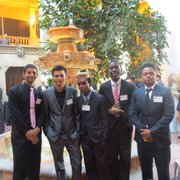 Un grupo de estudiantes de la Escuela Cardozo, HS, en la Gala Anual del Latino Student Fund el jueves 12 de marzo de 2015 en la sede de la Organización de Estados Americanos (OEA) en Washington, DC.